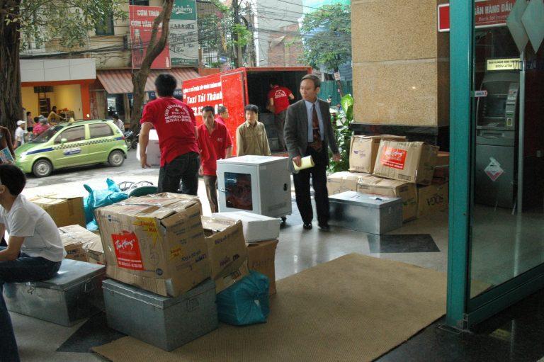 Taxi tải Thành Hưng - dịch vụ chuyển nhà tiết kiệm an toàn