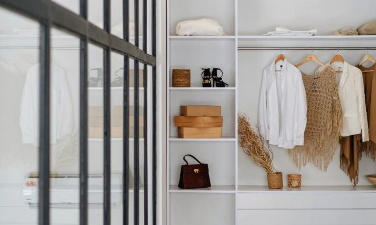 Cách bảo quẩn quần áo khi chuyển nhà