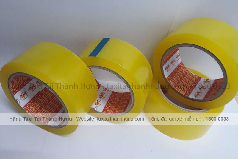 Băng dính thường dùng để cố định đồ đạc giúp đảm bảo an toàn