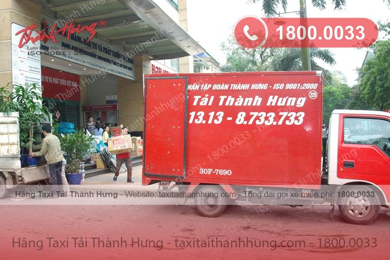 Xe Taxi Tải Thành Hưng chính hãng đang phục vụ khách hàng